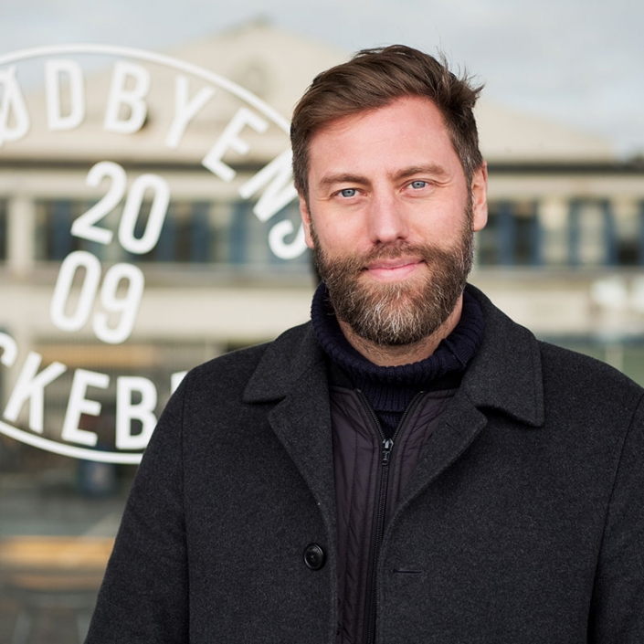 Kristian Linde, Direktør og Medejer