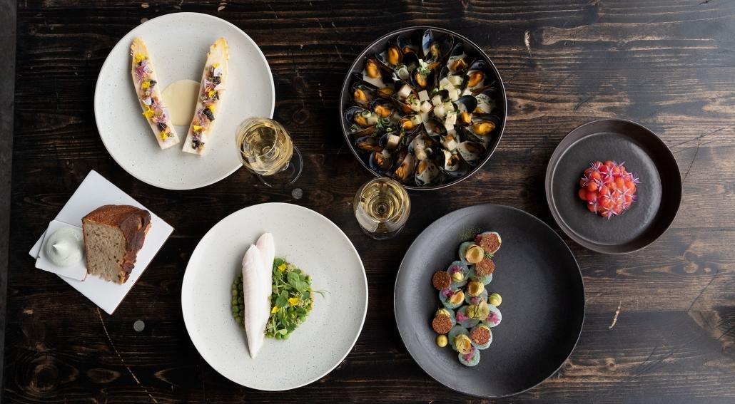 Fiskebarens menu er bygget op omkring bæredygtig fisk og skaldyr fra Norden. Foto Christina Jensen
